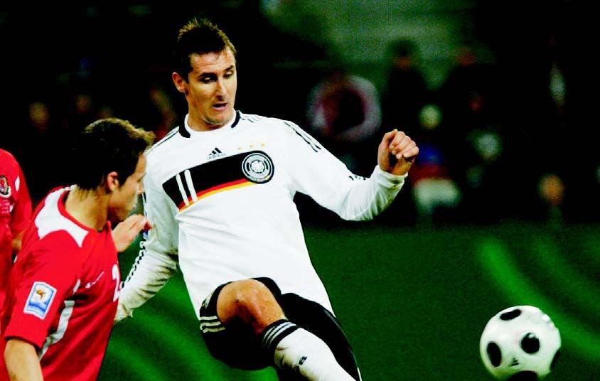 Klose quiere ser máximo goleador historia  mundial