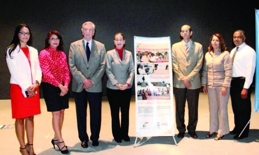Pamela Núñez, Rosa Elena Rodríguez, Federico Henríquez Gratereaux, Nerva Fondeur, Carlos Santos, María Mercedes Brito Feliz y Jesús Cisneros