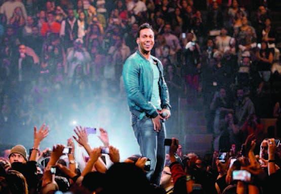 Romeo Santos se reencontró con sus ex de Aventura en su histórico concierto