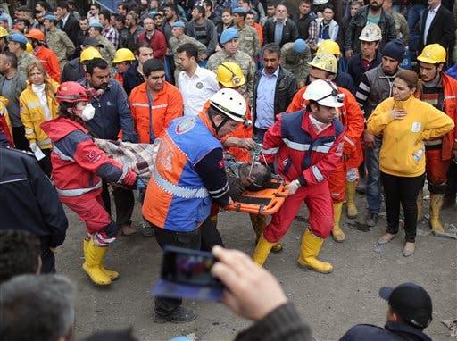 Aumenta a 274 cifra de muertos Turquía