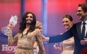 El cardenal de Viena felicita a Conchita Wurst por su triunfo en Eurovisión