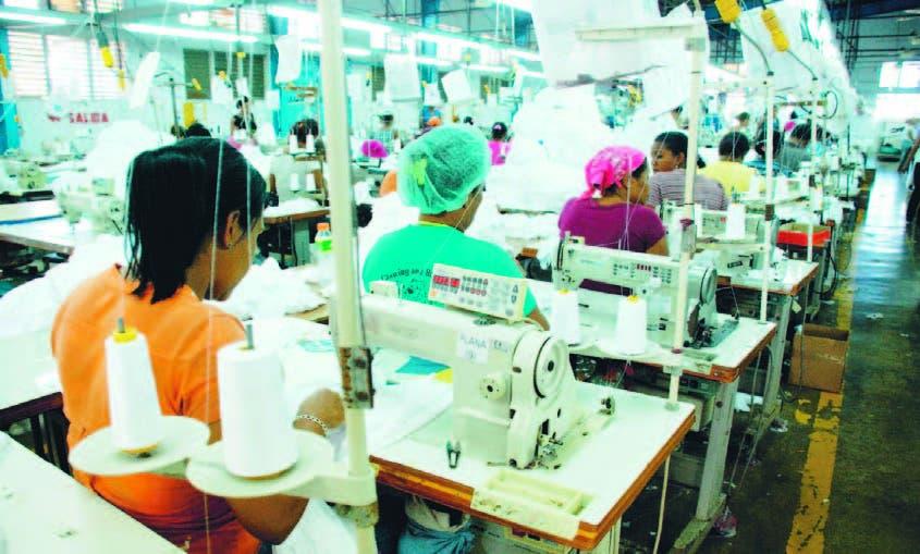 Mujeres jóvenes enfrentan desigualdades en el empleo