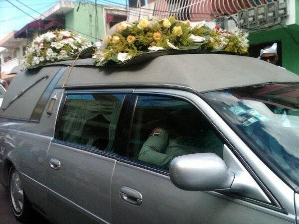 Tiros y bombas lacrimógenas en entierro de Monkey Black