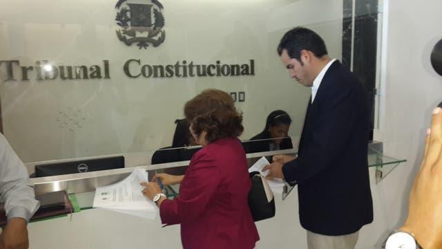 Depositan recurso busca evitar eliminación querellas contra funcionarios por corrupción