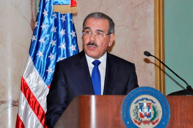 El presidente Danilo Medina dijo la tarde de este jueves que en la reunión que sostuvo con el vicepresidente de EEUU, Joseph Biden, pasaron  revista a la relación bilateral de las dos naciones y a puntos de mutuo interés.Hoy-Félix de la Cruz 19-06-2014