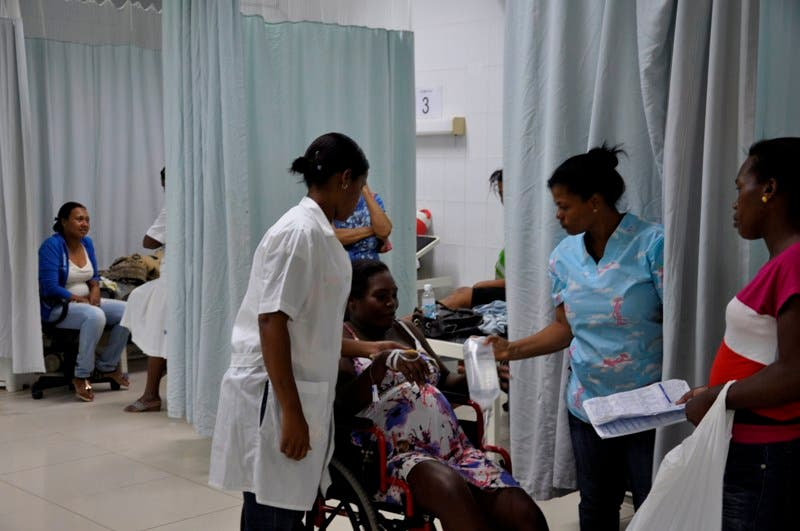El pais.Reportaje sobre  el virus chikungunya, especialmente en diferente Hospitales y Clinicas del Sur.Hoy/Pablo Matos    24-06-2014