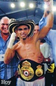 Darlelys Pérez, con su título