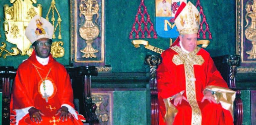 El nuncio apostólico Jude Thaddeus Okolo y el cardenal Nicolás de Jesús López Rodríguez