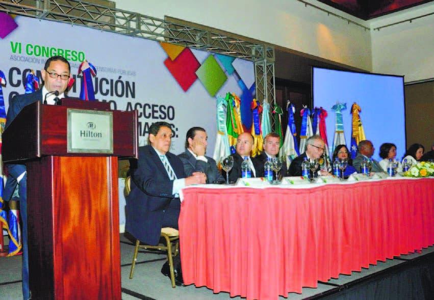 El presidente del Consejo Nacional de la Defensoría Pública, Mariano Germán, mientras exponía en el evento
