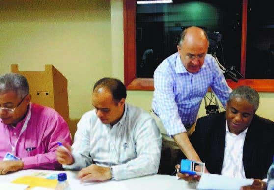 El procurador Francisco Domínguez Brito en las elecciones del CSMP
