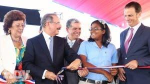 Gobierno inaugura 118 aulas, nueve centros Tanda Extendida