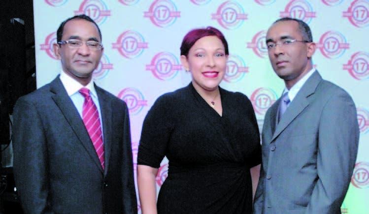 Juan Ledesma, Odette Paredes y Robert Ledesma
