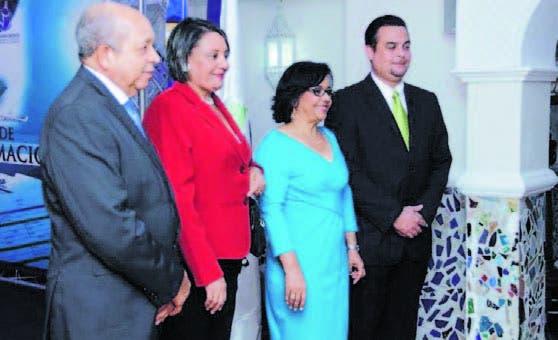 Luis Hernández, Olga Páez, Altagracia Paulino y Teófilo Risk