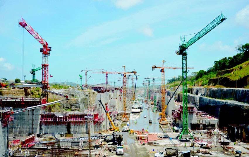 Se espera que con la ampliación del Canal de Panamá haya un mayor tránsito come rci a l