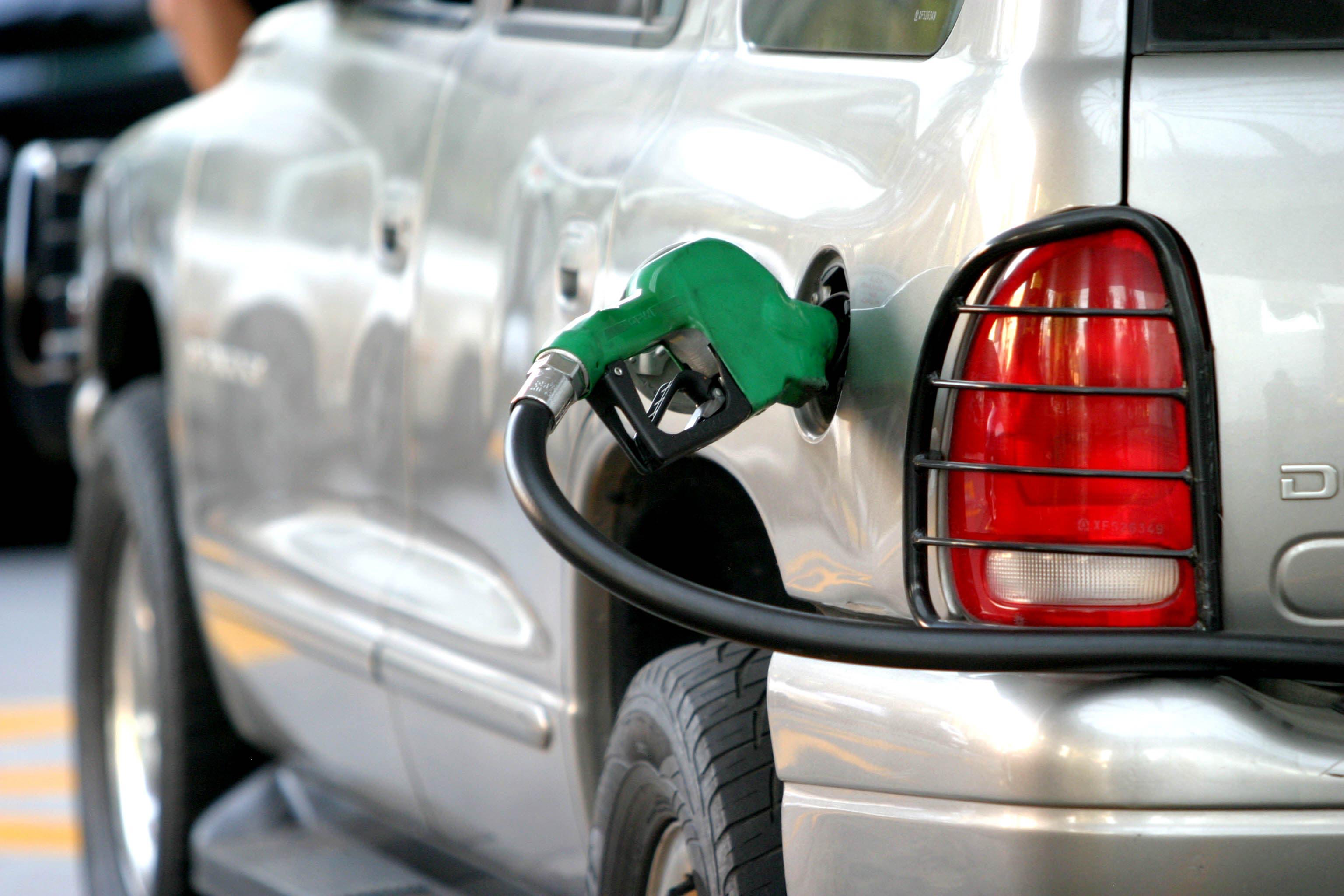 Trucos para ahorrar gasolina y que te salga más barata