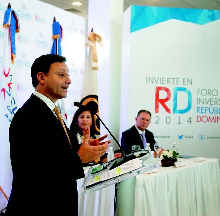 El director de CEI-RD, Jean Alain Rodríguez; Sonia Sonia Villanueva de Brower y Vincenzo Odoguardi