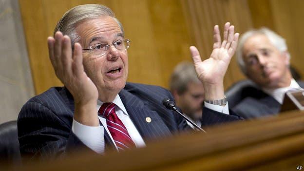 Bob Menéndez pide a Obama que facilite armas a Ucrania