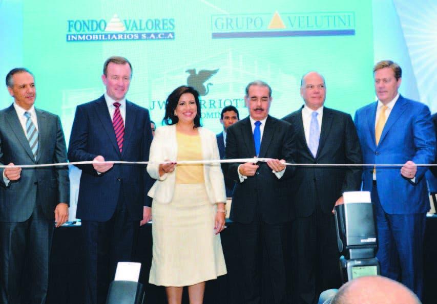 Grupo Saca abre JW Marriott;  Presidente y vice asisten acto