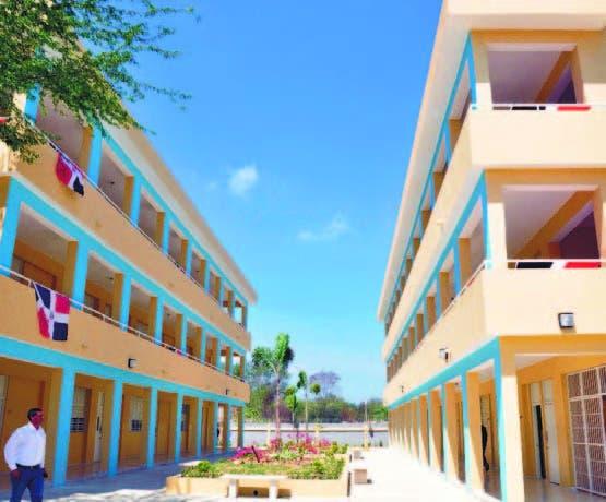 Resultado de imagen para Escuela Fray Pedro de Córdoba, en Yamasá, Monte Plata