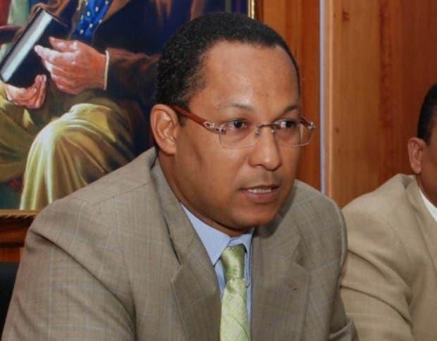 Senador Dionis Sánchez.