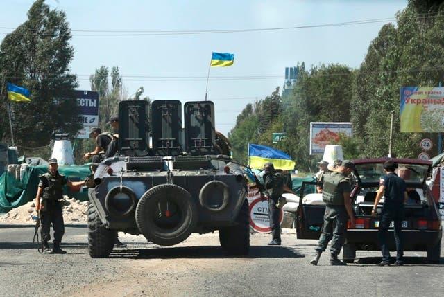 Kiev denuncia una ciudad fue tomada por tanques blindados rusos