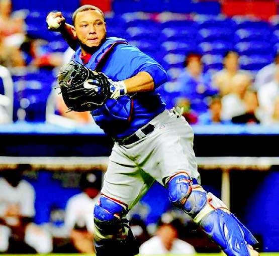 Welington Castillo será tercer catcher de Cubs