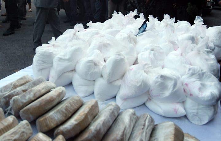 Incautan más de 2 mil 600 kilos de cocaína colombiana en El Salvador y República Dominicana