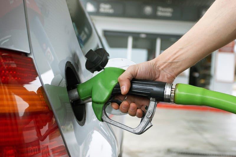 Precios de los combustibles subirán entre 1RD$  y RD$3.00