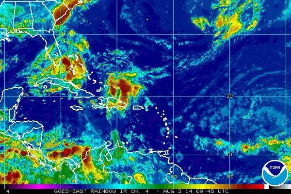 En el  Gran Santo Domingo. La temperatura máxima estará entre  31ºC y 33ºC  y la mínima entre 22ºC y 23ºC.