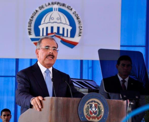 Siguen cuestionamientos a Danilo por veto a ley Loma Miranda