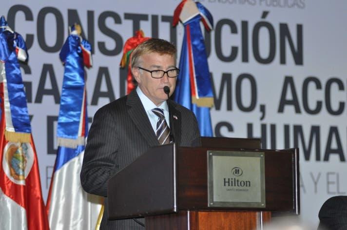 Embajador de EE.UU. dice ciudadanía tiene derecho a protestar por conservación de Loma Miranda
