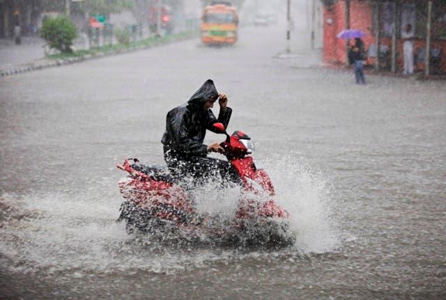 Dos ondas tropicales provocarán más lluvias y tormentas eléctricas