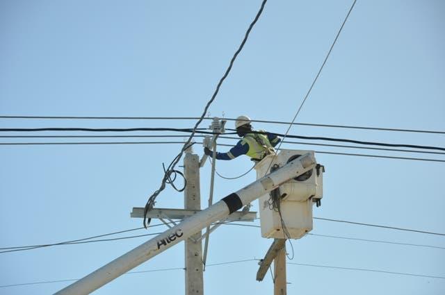 Trabajos, energia electrica, tendido, electricidad, cdeee