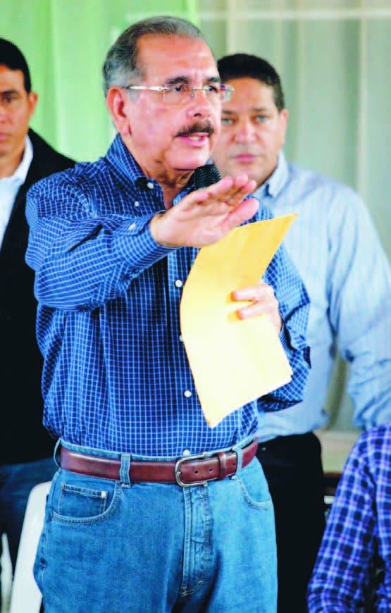 Presidente dice busca liberar a los productores   de los usureros