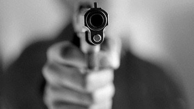 oficial pensionado de la policía murió de un impacto de bala en el pecho luego de abatir a uno de tres hombres