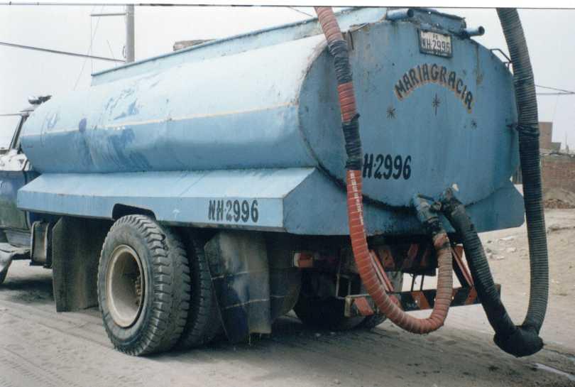 Residentes en Baitoa tienen que pagar hasta tres mil pesos por camiones de agua