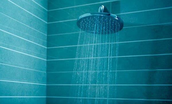 Regadera De Baño Que Es: que debes alejar de tu regadera si quieres mantener una buena salud