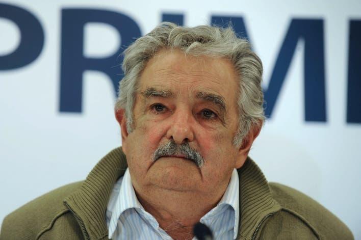 José Mujica pone cartel en su casa para no recibir visitas