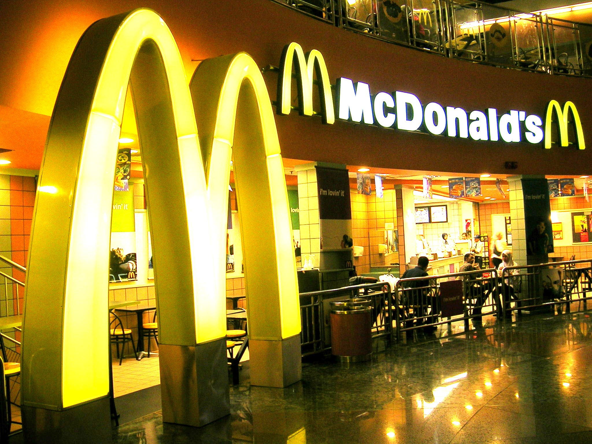 McDonald's, Starbucks bloquearán sitios porno en su Wi-Fi