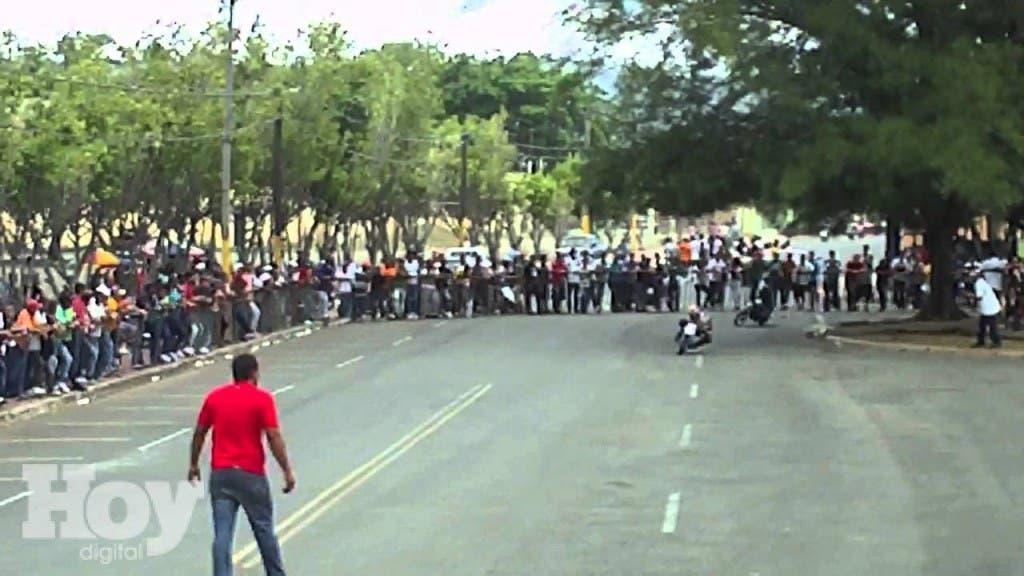 Carreras ilegales de motocicletas. Imagen de referencia. Archivo.