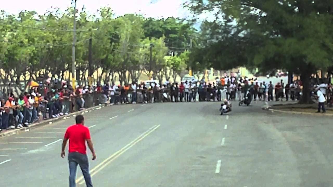 Piden penalizar las carreras de motocicletas en Las Américas