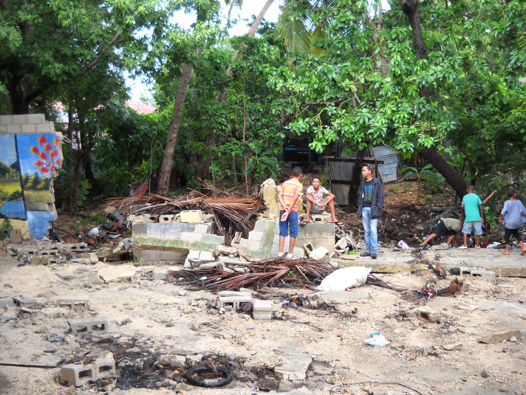 Desplazados por lluvias superan las cuatro mil personas; COE reporta 36 comunidades aisladas