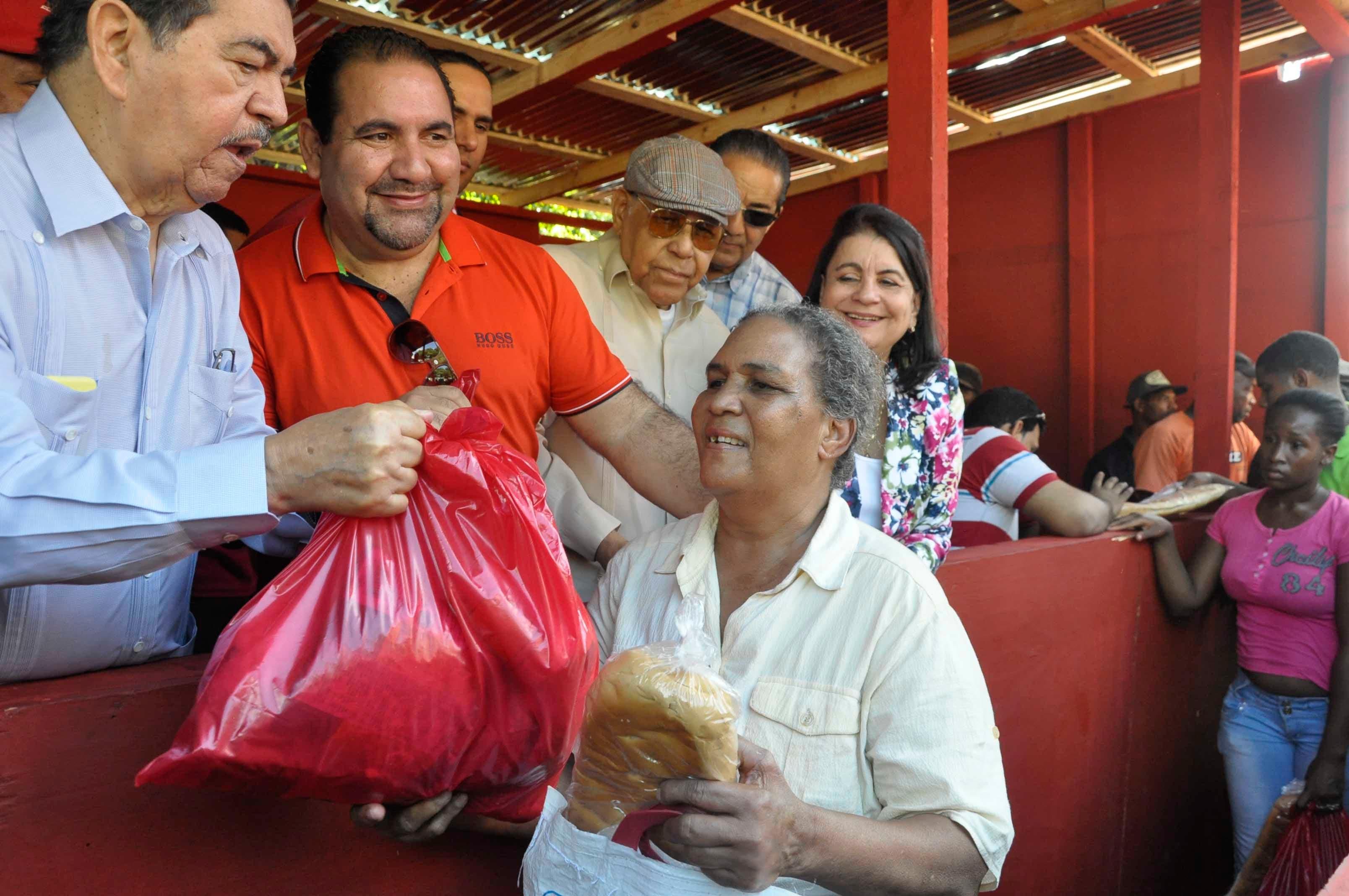 PRSC distribuirá 50 mil canastas a familias pobres
