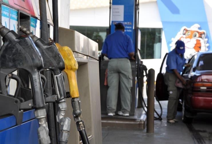 Resultado de imagen para Bajan precios de los combustibles