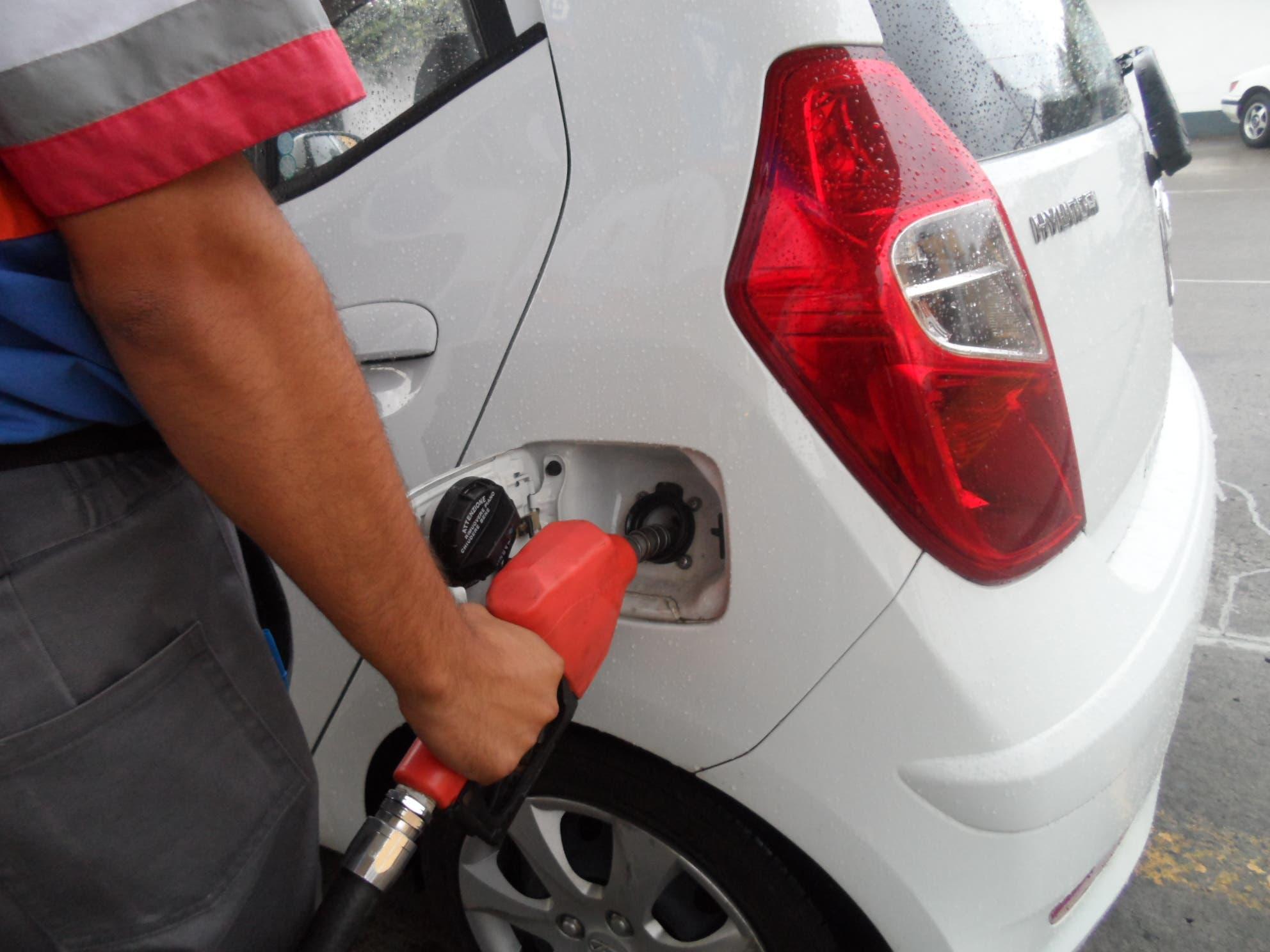 Gasolinas suben  RD$3.00 y los demás combustibles quedan congelados