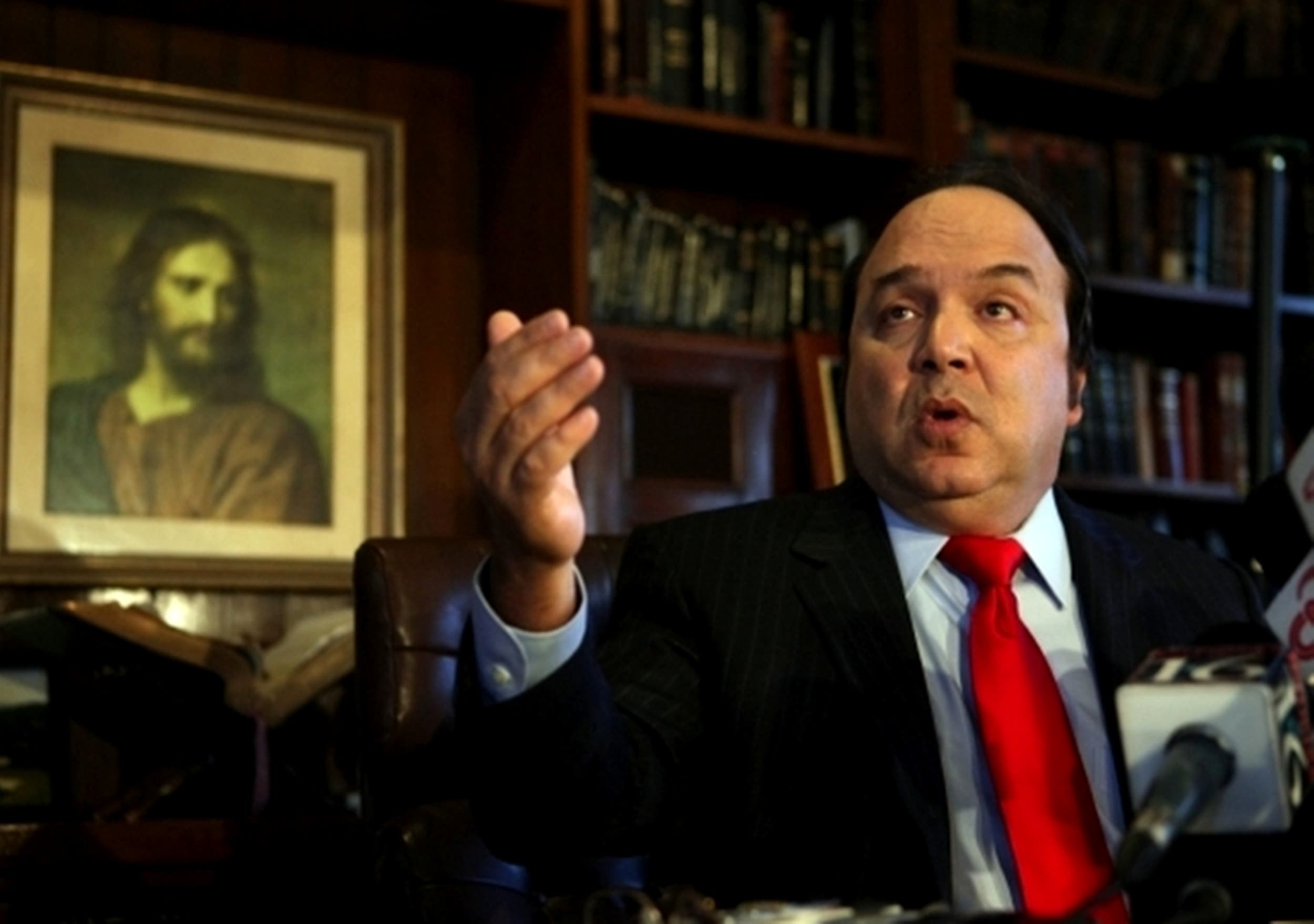 Esto dice Vinicio Castillo de carta que envió Bob Menéndez a Mike Pompeo alertando sobre posible reelección de Danilo Medina