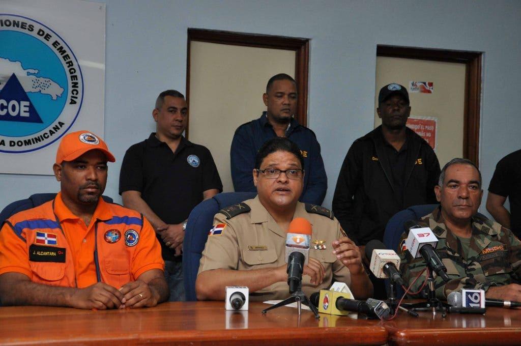 General Juan Manuel Méndez García presidente COE durante una rueda de prensa de boletín emitido por el Centro de Operaciones de Emergencias (COE) Santo domingo República Dominicana-  1 de enero del 2015. Foto Pedro Sosa