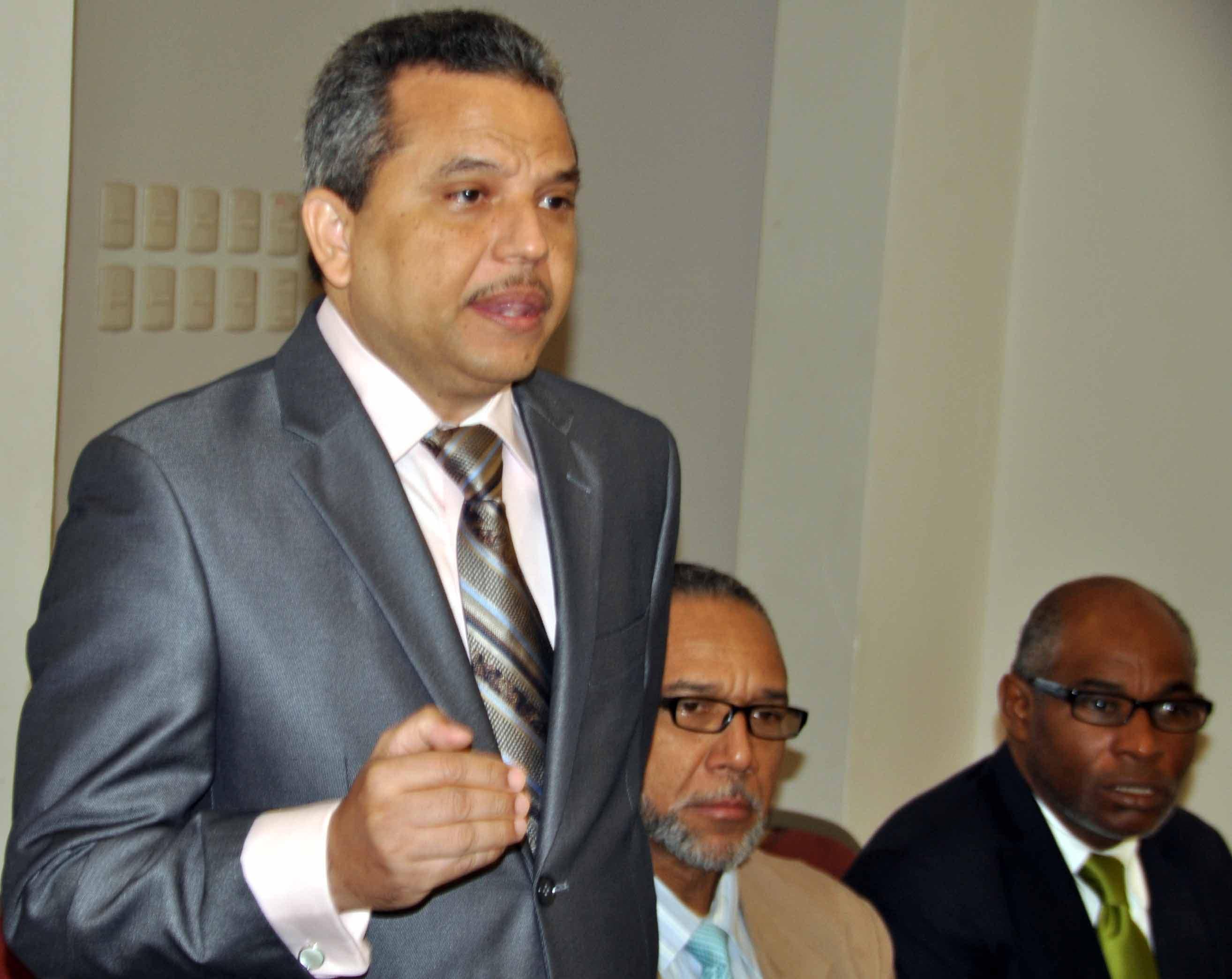 Fidel Santana, del Frente Amplio, asegura habrá segunda vuelta; dice Fadul debe ir al psiquiatra