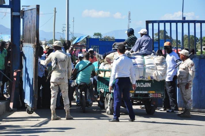 Flotillas de drones y cámaras de seguridad vigilarán frontera RD Haití