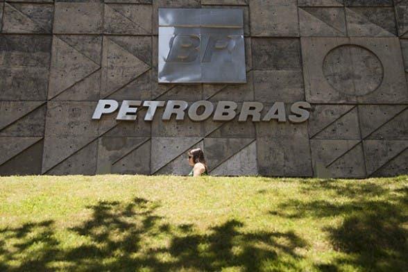 La brasileña Petrobras negocia venta de activos en gas a la japonesa Mitsui